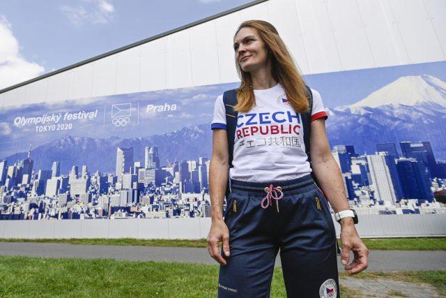 Ambasadorka akce střelkyně Kateřina Emmons na Olympijském festivalu v Praze | foto: Michal Kamaryt,  ČTK