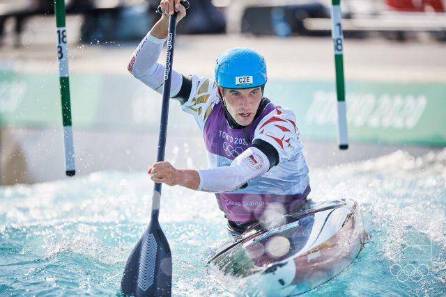 Vodní slalomář Lukáš Rohan si v Tokiu dojel pro stříbrnou olympijskou medaili v kategorii C1 | foto: Barbora Reichová,  Český olympijský výbor  (5235372)