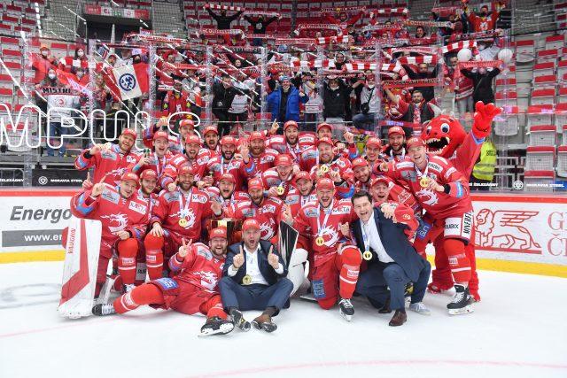 Poslechněte si celý Speciál Radiožurnálu Sport o startu české nejvyšší ligy hokejové ligy  | foto: Michal Beránek,  CNC / Profimedia